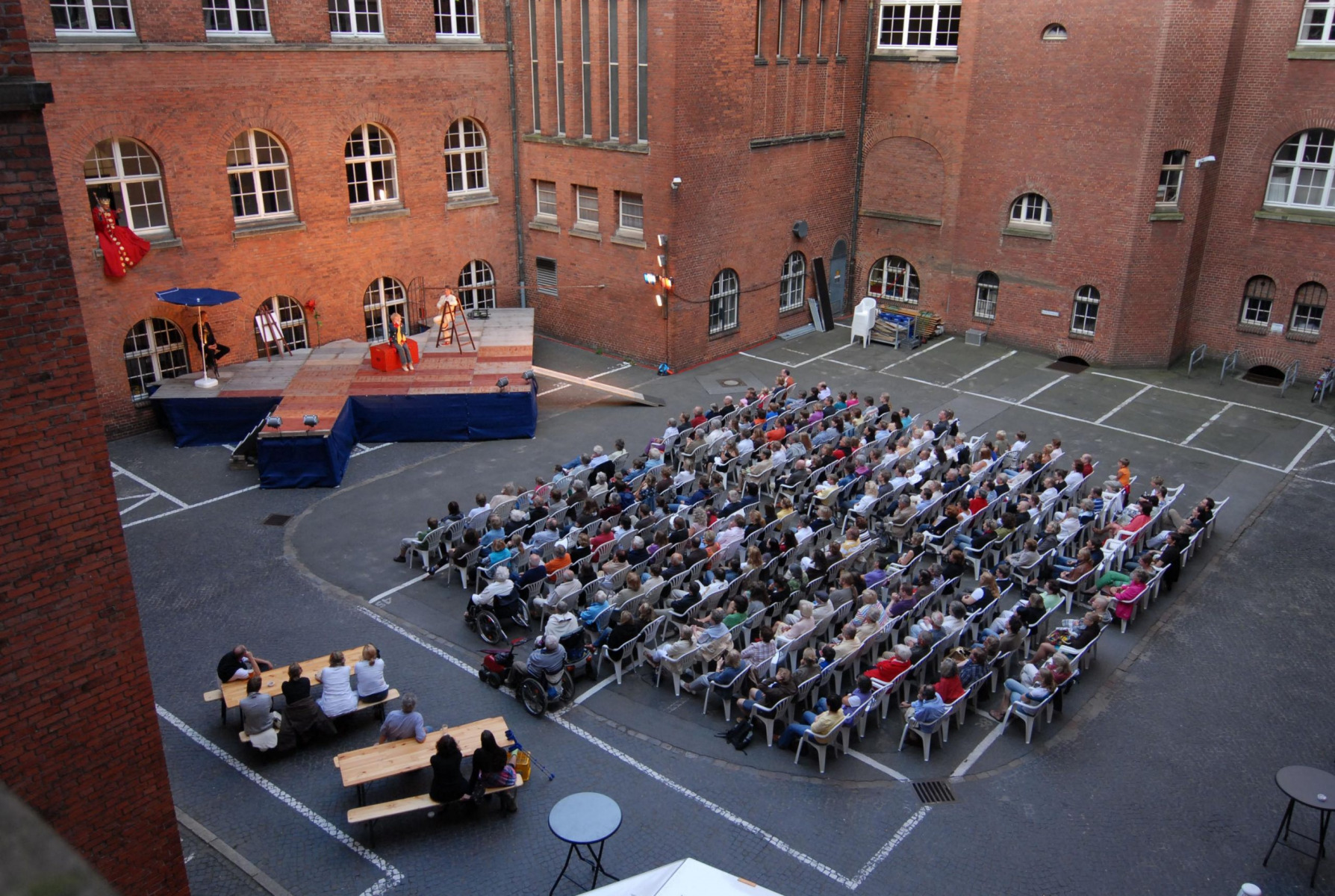Sommertheater im Rathausinnenhof
